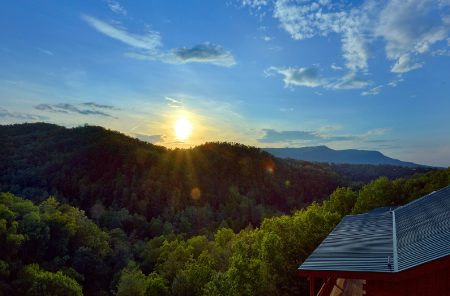 Laurel Point: 6 Bedroom Sevierville Cabin Rental