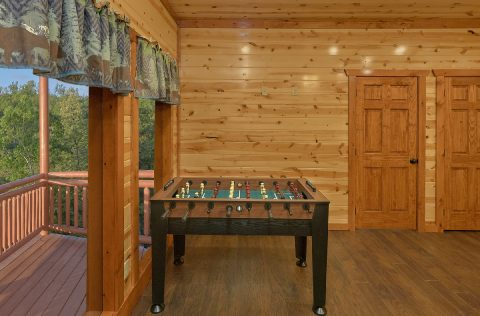 Large 6 Bedroom Cabin with Foosball Table - 1 Amazing Lodge