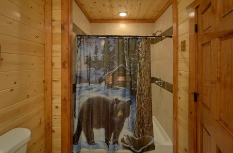 Connecting Full Shower King Bedroom Sleeps 14 - 1 Amazing Lodge