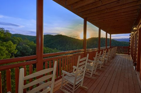 Smoky Mountain Cabin with Mountain View and WiFi - 1 Amazing Lodge