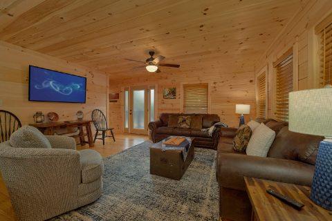 Luxury 5 Bedroom Cabin with High Speed Internet - 3 Little Bears