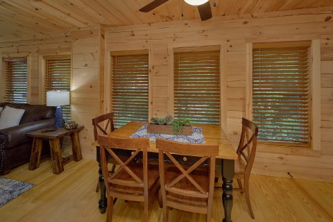 Pigeon Forge Cabin with Dining Room Sleeps 12 - 3 Little Bears