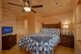 Pigeon Forge 5 Bedroom Cabin with Queen Bed