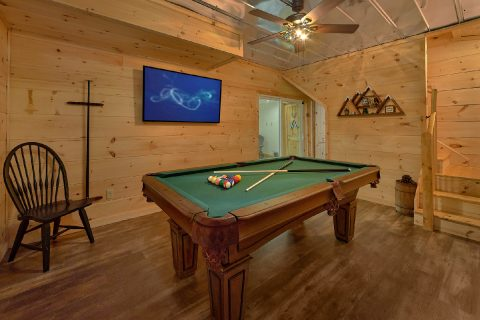 Smoky Mountain 5 Bedroom Cabin with Pool Table - 3 Little Bears