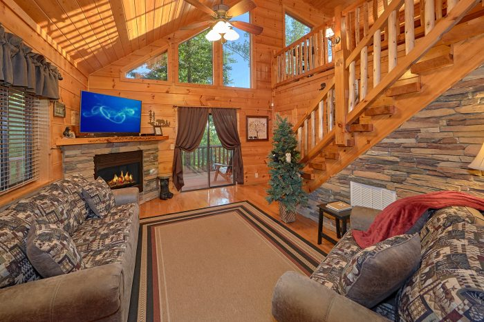 3 Bedroom Cabin Sleeps 6 in Pigeon Forge - 4 Paws