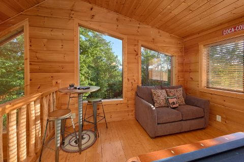 3 Bedroom Cabin Sleeps 6 with Views - 4 Paws