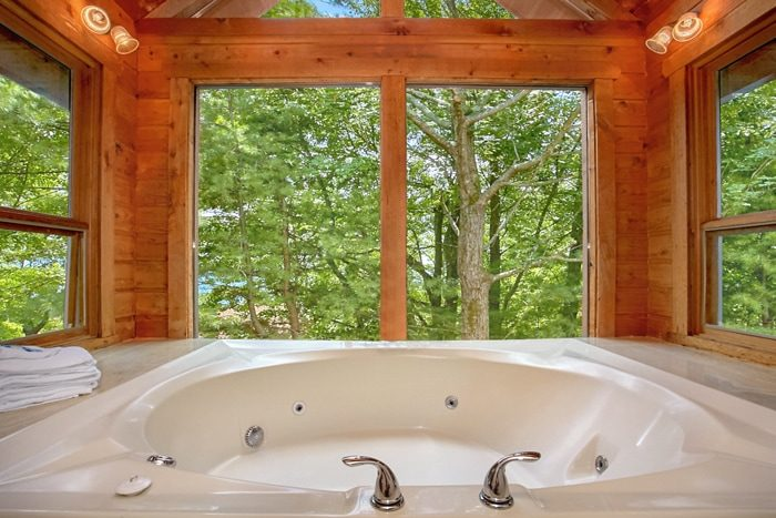 Rustic Cabin with Private Jacuzzi Tub and View - 4 Seasons Gatlinburg