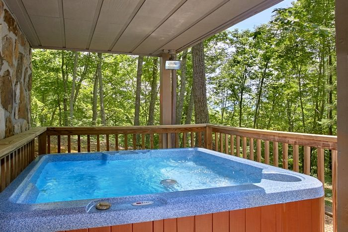 Gatlinburg Cabin with Private Hot Tub & View - 4 Seasons Gatlinburg