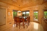 3 Bedroom cabin with Dining Room Seating for 8