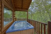 Luxurious 2 bedroom cabin with private hot tub