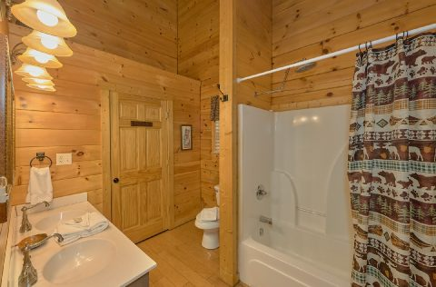 2 bedroom cabin rental with Private Master Bath - A Bear Affair