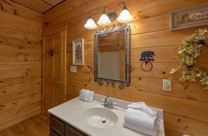 Luxurious 2 Bedroom Gatlinburg Cabin - A Bear Affair