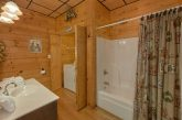 Cabin with Private bathroom and laundry room