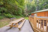 5 Bedroom Cabin with Picnic Table