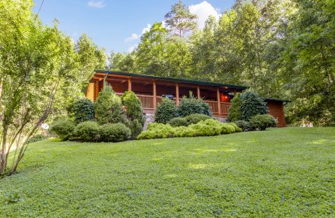 Gatlinburg 5 Bedroom Cabin Large Yard - A Bear Creek