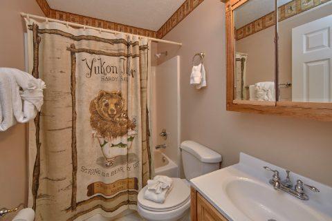 Full Bath Room in Each Bedroom - A Bear Trax