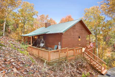 2 Bedroom Cabin Sleeps 6 All on 1 Floor - A Bear Trax