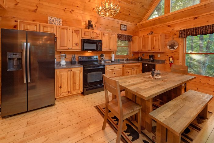 Luxury Cabin with Fully Equipped Kitchen - A Bear's View