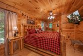 Luxury 2 Bedroom Cabin with King Bed and TV
