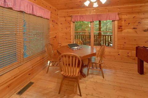 Premium 2 Bedroom Cabin with Card Table - A Bear's View