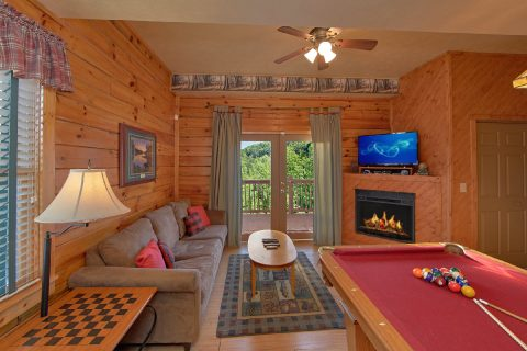 Cabin with Game Room, Sleeper Sofa, & Pool Table - A Beary Happy Place