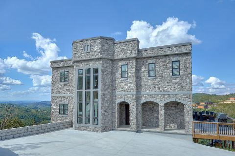 Luxury stone Castle rental cabin in Gatlinburg - A Castle in the Clouds