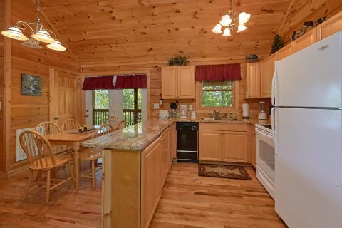 2 Bedroom Cabin with a Fully-Stocked Kitchen - A Cozy Cabin