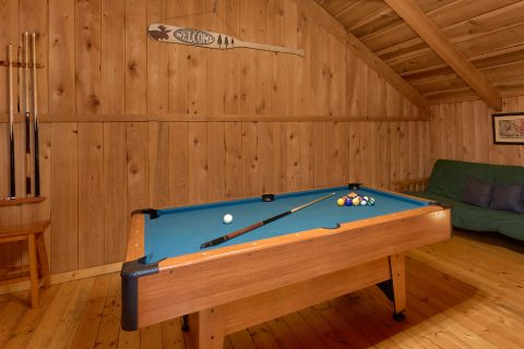 Pool Table Game Room Cabin Sleeps 8 - A Creekside Retreat