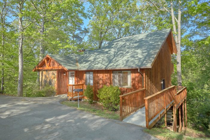 A Fieldstone Lodge Cabin Rental Photo