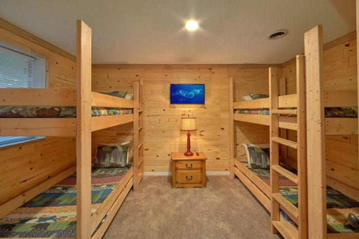 4 bedroom cabin with 4 twin bunk beds - A Fieldstone Lodge
