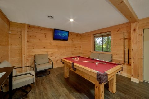 Luxury cabin with Pool Table and Game room - A Fieldstone Lodge