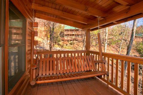Gatlinburg 3 Bedroom Cabin Sleep 8 - A Grand Getaway