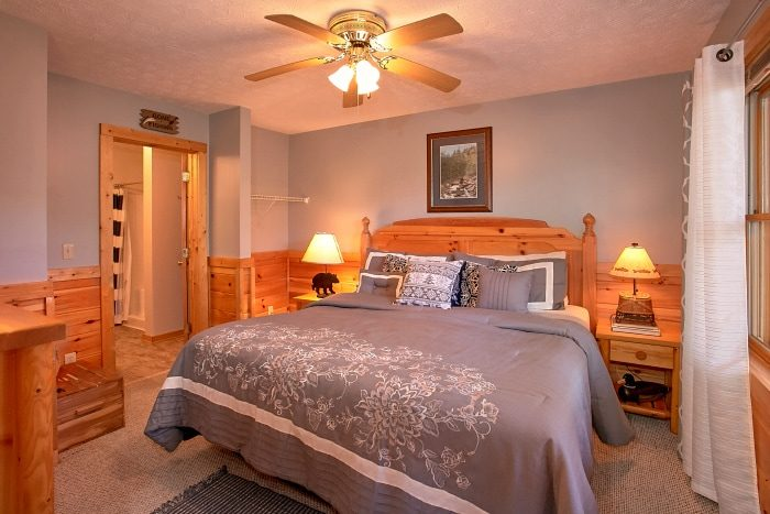 Luxury 3 Bedroom Cabin in Gatlinburg - A Grand Getaway
