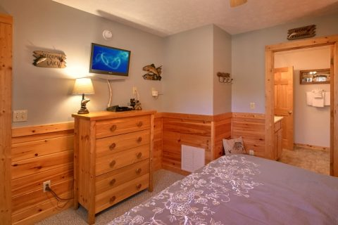 3 Bedroom Cabin All King Beds with Bathrooms - A Grand Getaway
