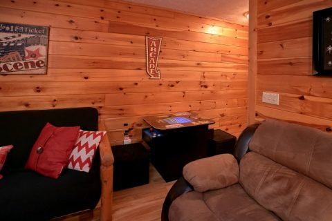 3 Bedroom Cabin with Game Room & Pool Table - A Grand Getaway