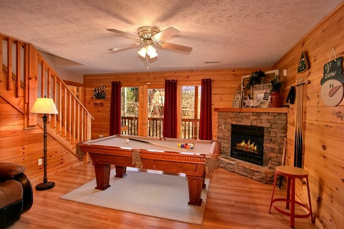 3 Bedroom Cabin with Game room and Theater - A Grand Getaway