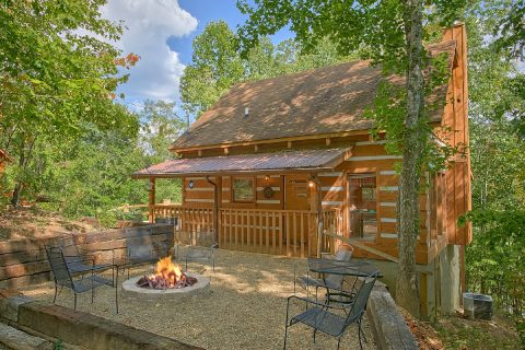 Featured Property Photo - A Hummingbird Hideaway
