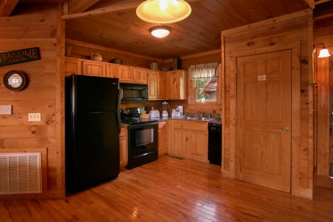 2 bedroom cabin with fully equipped kitchen - A Little Bit Of Heaven