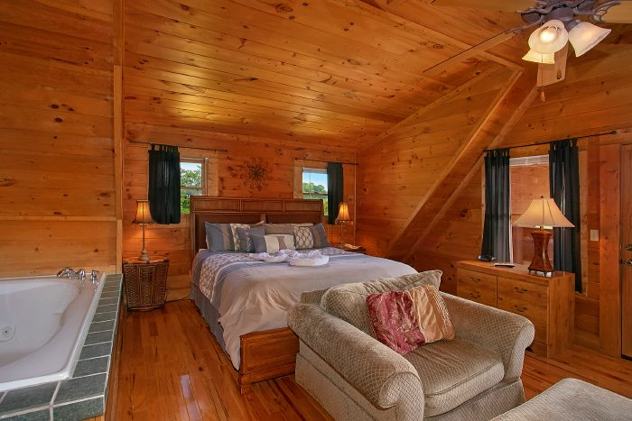 2 bedroom cabin with king master suite - A Little Bit Of Heaven