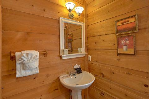 2 Bedroom 2 Bath Cabin Sleeps 6 - A Little Bit Of Lovin'