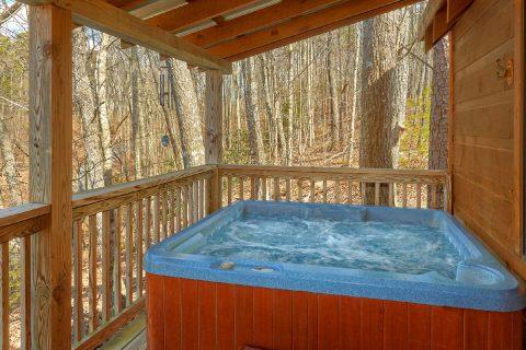 Private Hot Tub 2 Bedroom Cabin Sleeps 6 - A Little Bit Of Lovin'