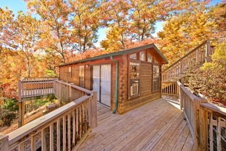 Enchantment: 1 Bedroom Pigeon Forge Cabin Rental