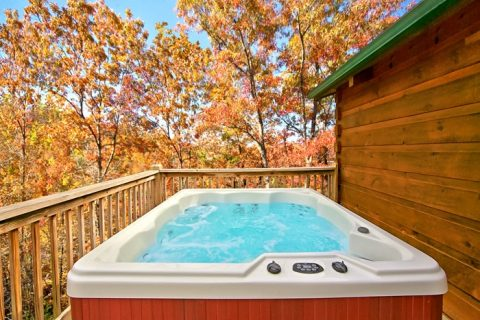 Cabin with Hot Tub on Private Deck - A Long Kiss Goodnight
