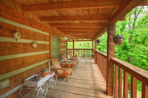 Wears Valley Cabin with Scenic Wooded Views - A Love Nest