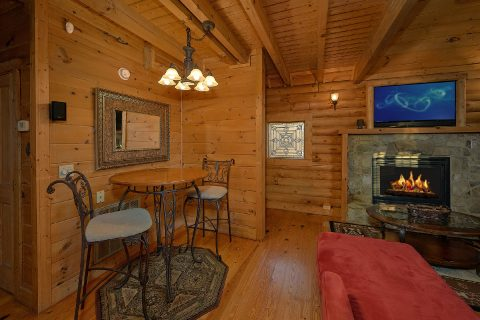 Romantic Cabin with Fireplace and WiFi Sleeps 4 - A Moonlight Ridge