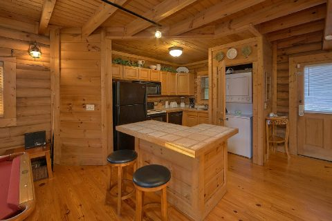 1 Bedroom Honeymoon Cabin with near Pigeon Forge - A Moonlight Ridge