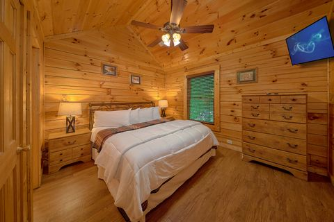 King Sized Bedroom in Cabin - A Mountain Lodge