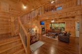 Luxury 5 bedroom cabin with spacious living room