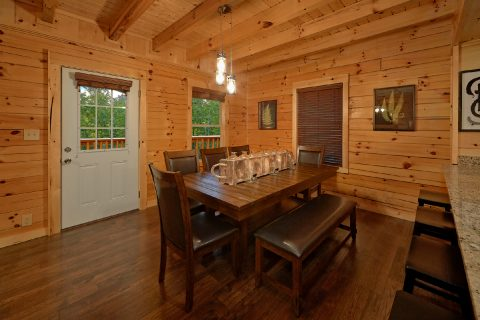 Cabin with Family Size Dining Room - A Mountain Palace