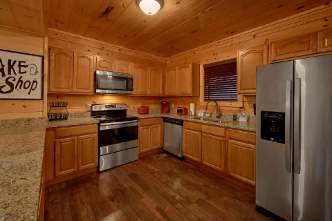Spacious Kitchen in 5 bedroom cabin rental - A Mountain Palace